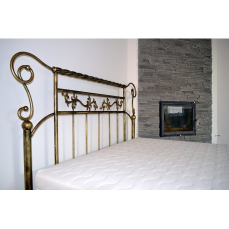 Vesuvius 180x220 with low footboard with blind